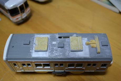 211系 塗装前