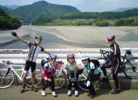 21M_大井川の橋の上