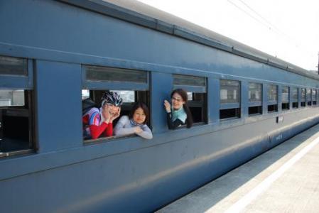08_車窓美女3人_convert_20120605160148