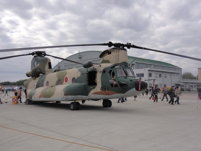 2012入間基地航空ショー 展示 航空機ーヘリ 1