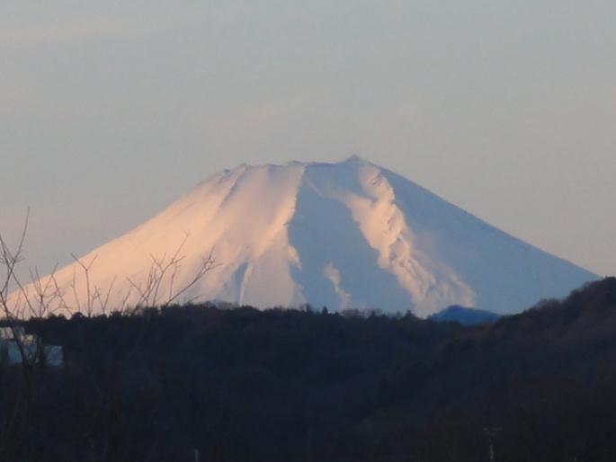 20130101日の出時の富士山 豊水橋から