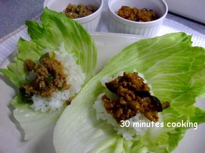 肉味噌&キーマカレーDEレタス巻きご飯