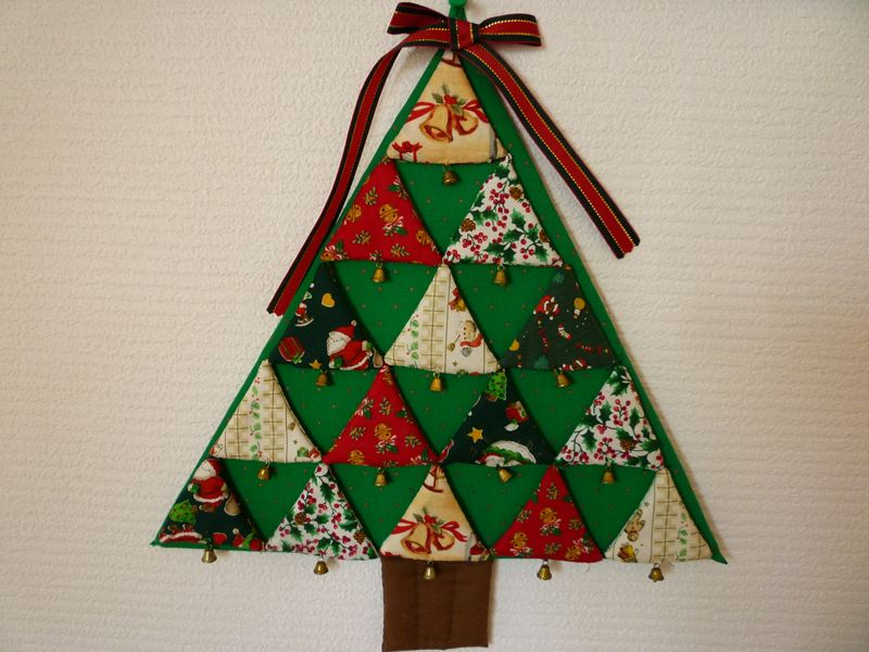 手作りのクリスマス飾り