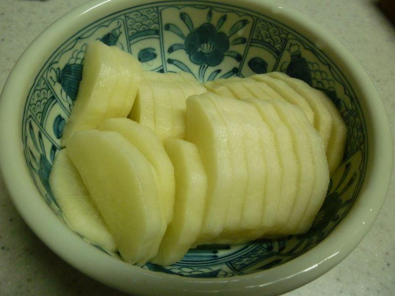 りんご酢の大根漬け