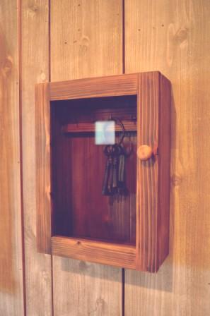 ガラス扉のキーボックス