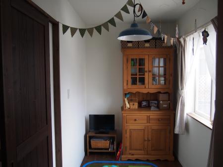 食器棚子ども室へ