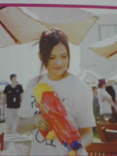 YUI 画像 2009 夏フェス 水鉄砲