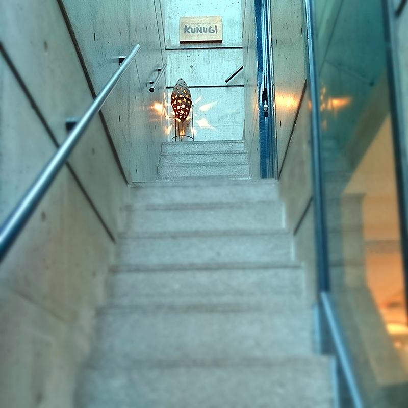 階段を上がって3Fへ