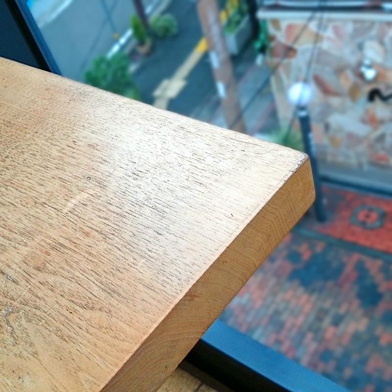 テーブル席から見下ろした感じ。
