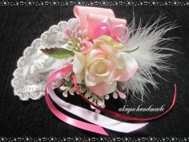 ピンクミニバラ コサージュ1
