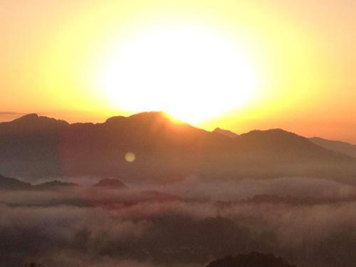 高千穂 国見ヶ丘の朝日と雲海