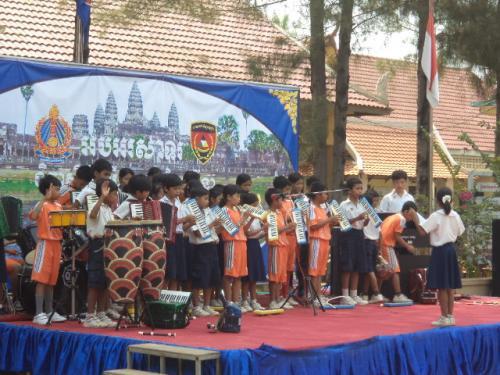 生徒の楽器演奏