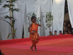 少女のアプサラダンス