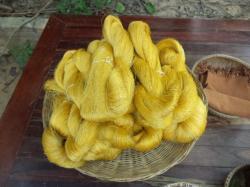 紡いだ絹糸