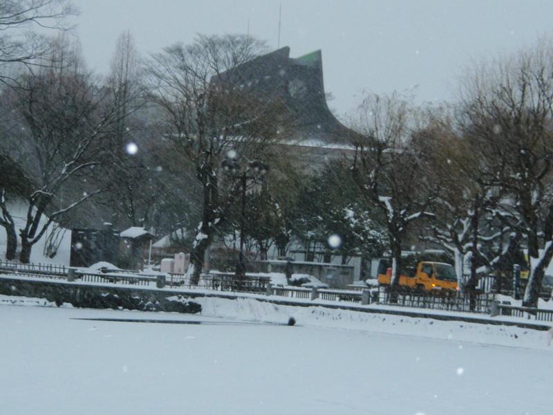 P1010141 平野美術館(雪中)800x600
