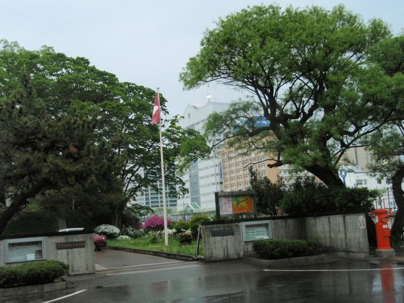P1010412_01 平野美術館 門(5月)
