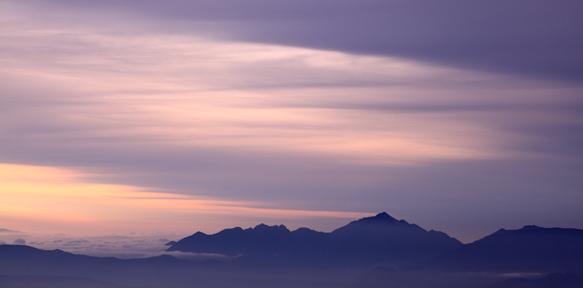 雲の彩る甲斐駒ヶ岳