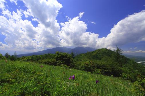 入道雲わく八ヶ岳と平沢山