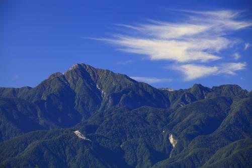 甲斐駒ヶ岳と雲