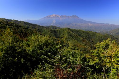 地蔵峠展望台から望む御岳