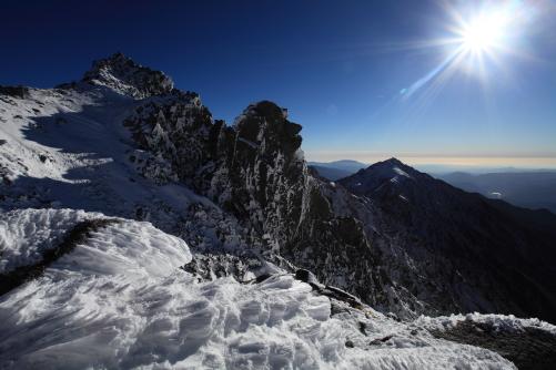 宝剣岳とその守護神・天狗岩