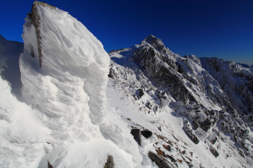 岩氷に覆われた宝剣岳