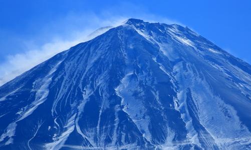 荒れ狂うブリザート富士の絶頂