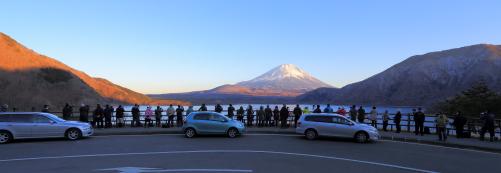 写真講座のひとこま・本栖湖にて夕景を