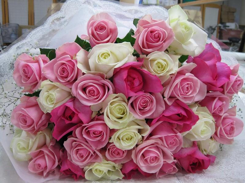白とピンクミックスの花束
