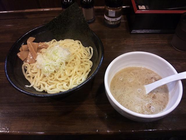 まるやす_鶏白湯つけ麺01