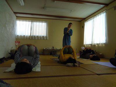 yoga2_20121028000726.jpg