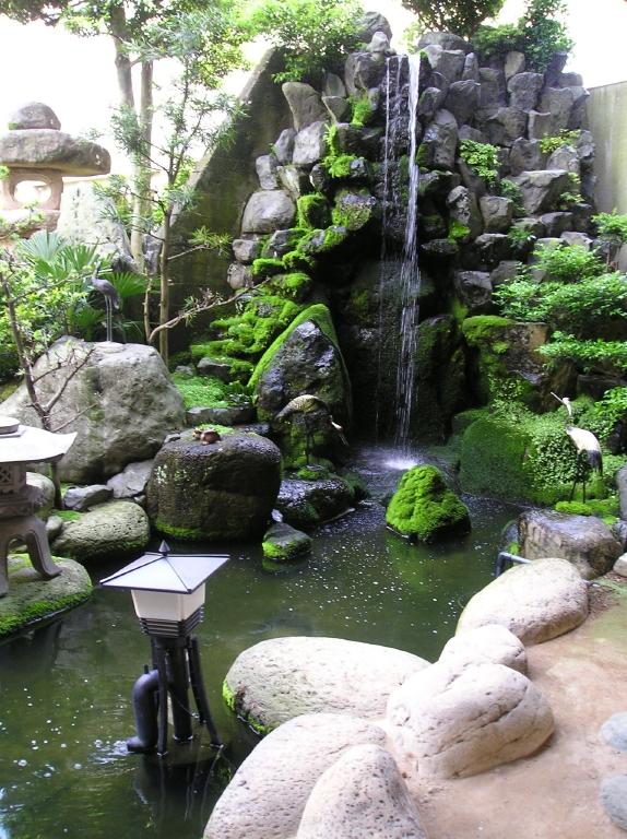 庭の滝小サイズ