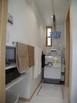 P9080283洗面:長い洗面所