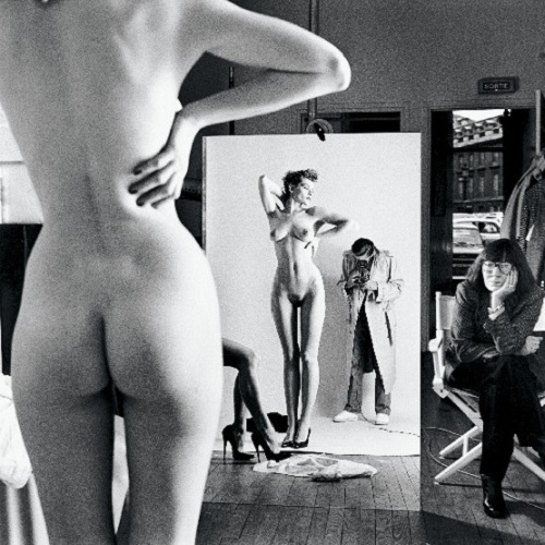 『Self Portrait with Wife and Models, Paris, 1981, from Private Property』by Helmut Newton_ヘルムート・ニュートン