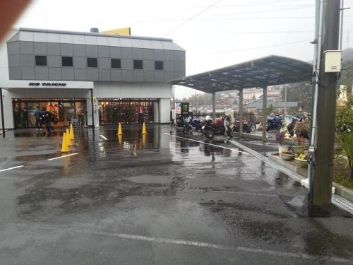 RSタイチ本店駐車場