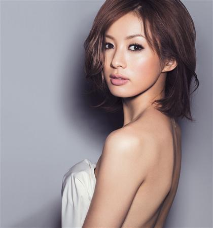 高垣麗子のグラビア画像