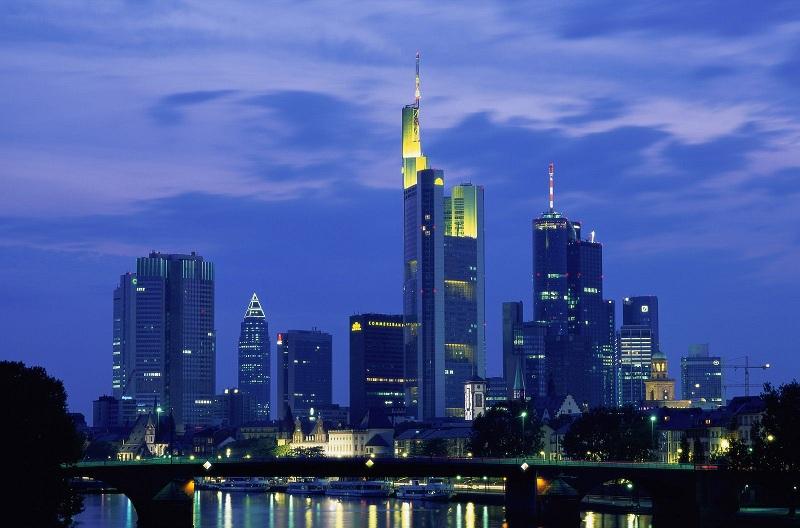 Frankfurt-1-0SS4W5VQSJ-1600x1200.jpg