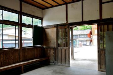 岩山駅(11)