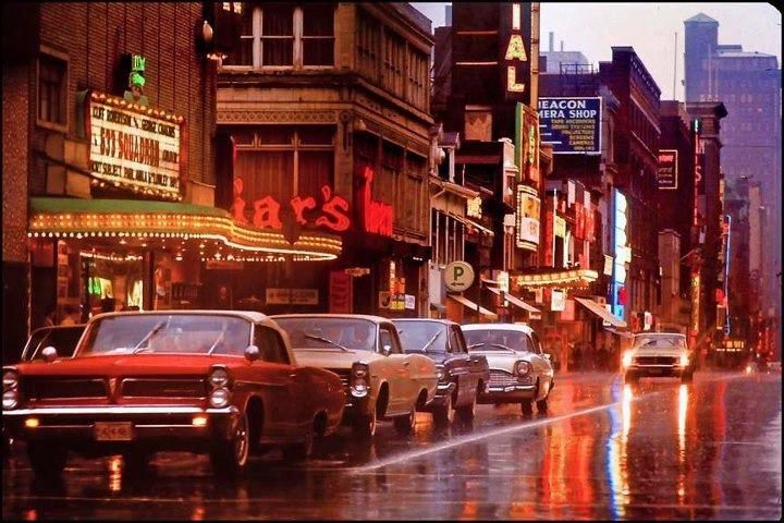 Yonge_Street_Friars_Tavern_1964.jpg