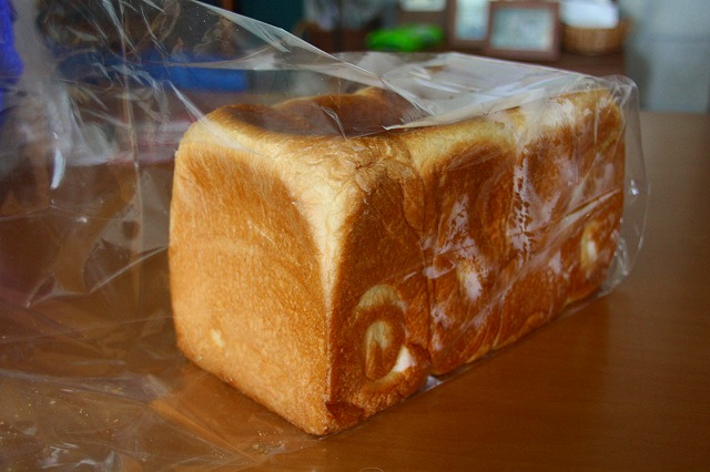 焼き立て食パン