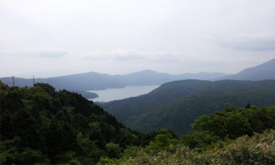 大観山パーキングより芦ノ湖を望む