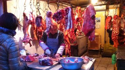西安裏通りの肉屋さん