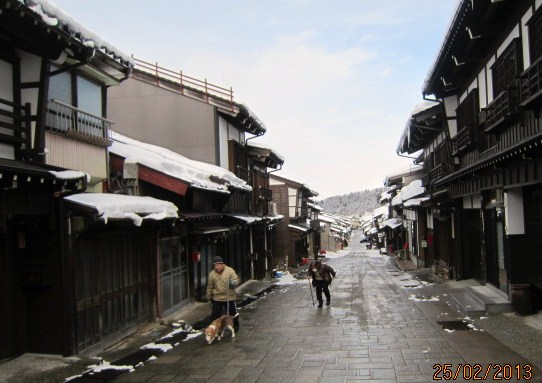 冬の諏訪町