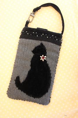 スマホ入れ黒 黒猫