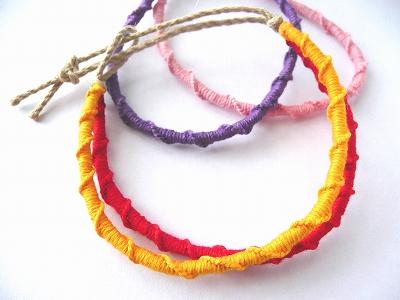 輪結びのカラー2連ミサンガ