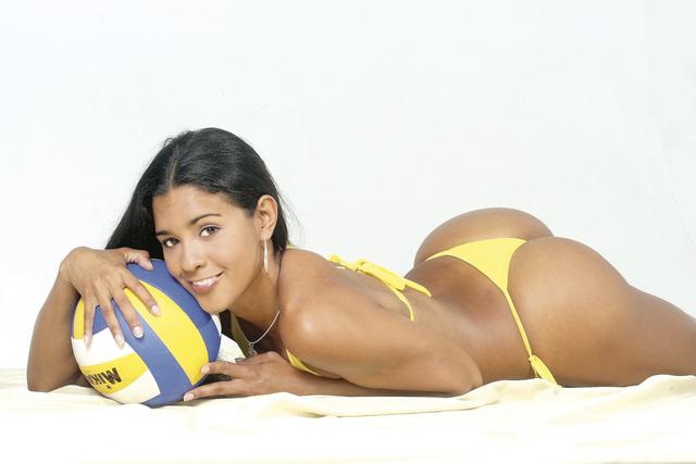 mineiro-na-web_jaqueline-carvalho_volei-brasil.jpg
