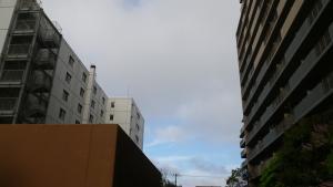 003朝は曇り
