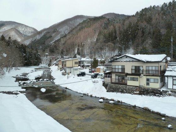 雪残る湯西川温泉