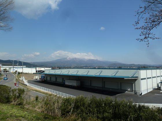 安達太良SAから眺める安達太良山