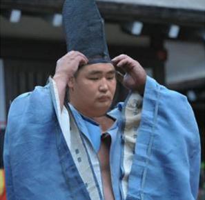 鶴竜関の烏帽子姿